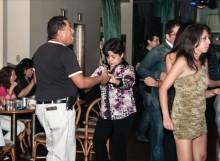 Baile y diversión homenajeando a las madres