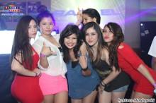 Lindas chicas disfrutando de la fiesta