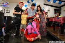 Luis Takamura junto a don Minor y su familia