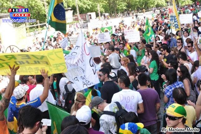 Más de 1000 brasileros reafirmaron su apoyo a las manifestaciones en Brasil