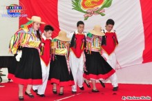 Carnaval por el colegio Mundo de Alegría