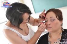 Los cosméticos utilizados brindan un aspecto natural, fresco y realzan las facciones.