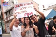 Quiero escuela y hospitales, padrao FIFA