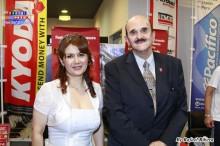 Roxana Oshiro y el Ministro Gustavo Peña