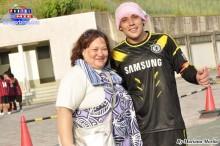 Dina Loret de Mola orgullosa de su hijo Hugo Fernandes, el capitán del equipo ganador.