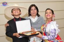 Doña Martha, orgullosa de su Campeón.