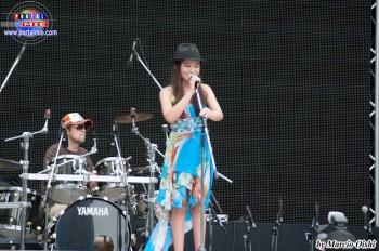 La cantante Cecilia Keiko siempre emociona al público con MPB y otras músicas de éxito en su voz melodiosa.