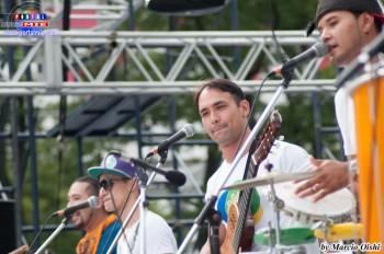 Samba y Pagode de calidad con el Grupo Rellance agitó al público.