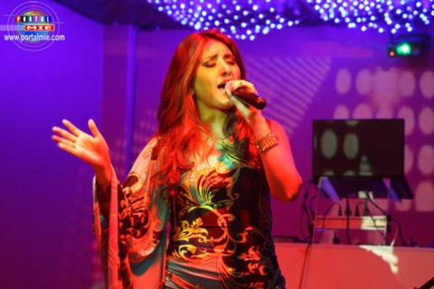 La cantante Nicole Pillman