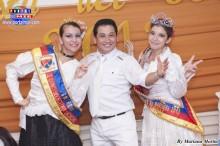 El carismático campeón Chino Terrones acompañado de la reina Kaori y la ex reina Astrid.