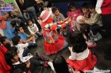 Niños participando de los juegos