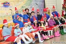 """El curso de español a cargo de Esperanza Hirano (líder de Pecla), presentó una obra teatral """"Navidad en el Polo Norte"""""""