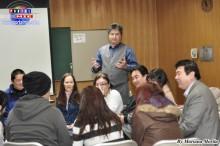 Dr. Ricardo Monteiro orientando a los participantes
