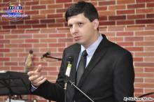 El especialista en Marketing,  profesor Douglas de Matteu, Ph.D.  de la Florida Christian University