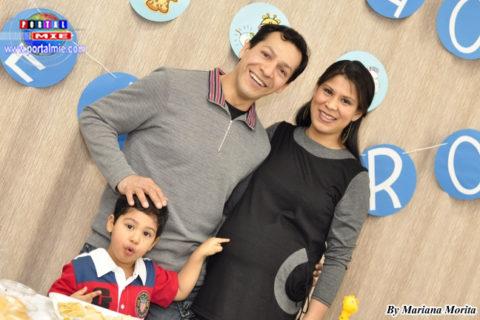 El profesor de marinera norteña Jimmy Vega, su esposa Sarita y su pequeño angelito