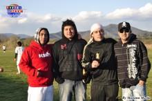 El organizador Hugo Fernandez acompañado de amigos.
