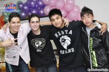 Grupo de jóvenes de las clases de reforzamiento de Chugakko.