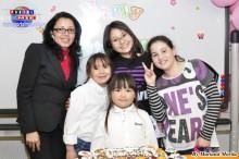 Janete Borges profesora de Portugués feliz con sus alumnos.