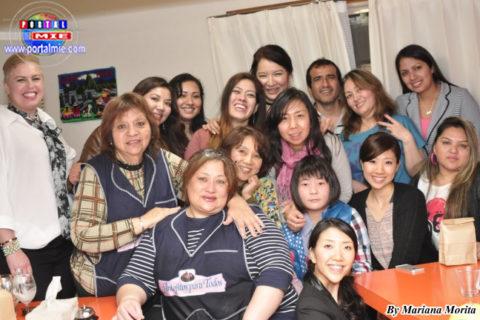 Peruanos, brasileños y japoneses amantes de la gastronomía peruana