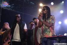Banda Cidade Negra finalizó el día con mucho reggae