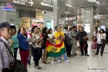 Bolivianos recibieron a los Kjarkas