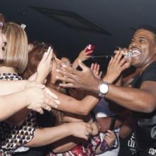 El negro lindo Guajaja divirtió a los presentes bailando sin parar