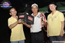 Banco do Brasil entregando la Copa al Sub Campeón Chambara.