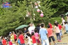 Niños divirtiéndose con el juego de la yunza!