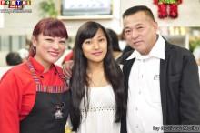 Marisol Haga acompañada de su esposo Oscar y su adorada hija Emily!