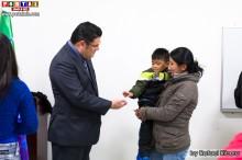 El Embajador  conociendo a los ciudadanos