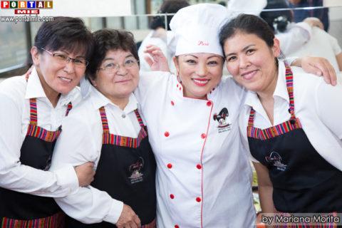Marisol Haga y su equipo de culinaria peruana.