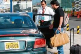 Callao anuncia mas controles a taxistas del aeropuerto
