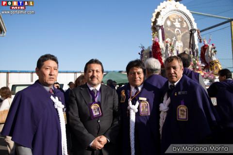Cónsul del Perú en Tokio acompañado de los Mayordomos de las Hermandades de Yamato, Kakegawa y Hamamatsu