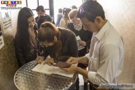 Firmando el acta y registrando a los socios