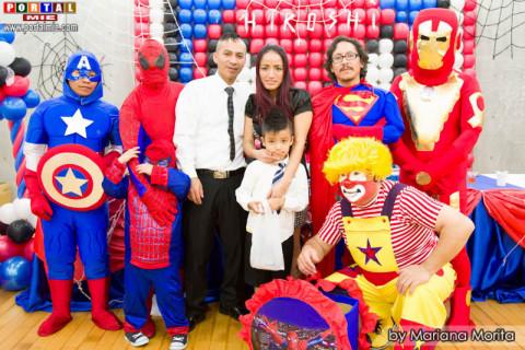 Alegría y felicidad en la fiesta de Hiroshi