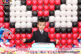 Hiroshi súper feliz en su fiesta