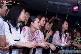Fans japonesas encantadas con el gran espectáculo
