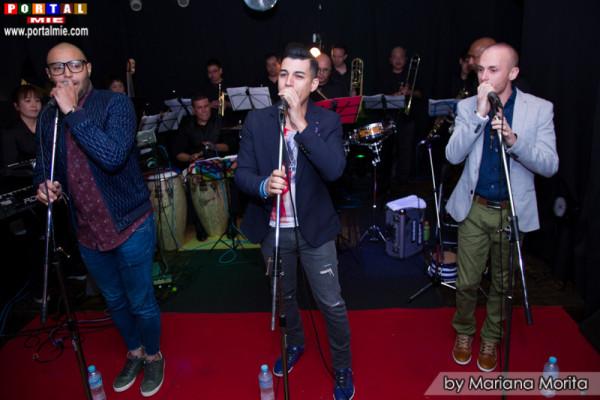 N'KLABE en Night Café acompañados de la orquesta Conquistando y Coco Escalante