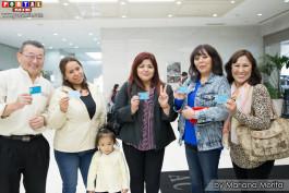 Peruanos contentos en las votaciones