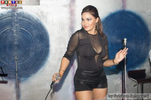 la-talentosa-cantante-cubana-de-corazon-peruano-vernis-hernandez