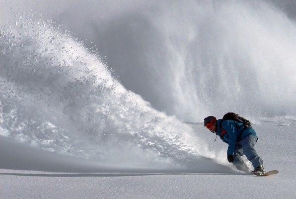 &nbspExtranjero que practicaba snowboard es encontrado muerto