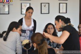 Las alumnas concentradas en el curso