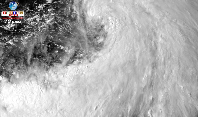 Tifón número 15 es enorme y avanza hacia la costa de Kanto